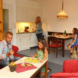 http://www.panoramic-hotel.de/wp-content/uploads/2016/10/FeWo-Harz-Comfort-Apartment-Typ-A-2013_305x305.jpg