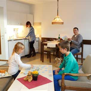 http://www.panoramic-hotel.de/wp-content/uploads/2016/10/Ferienwohnung-Harz-Standard-Apartment-Typ-A-3_305x305.jpg