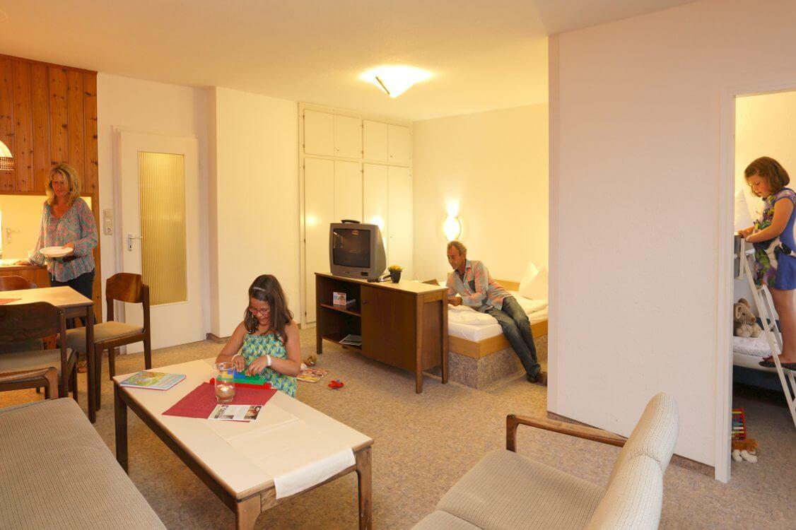http://www.panoramic-hotel.de/wp-content/uploads/2016/11/Standard-Apartment-Typ-B_1_1126x750-e1479935344947.jpg