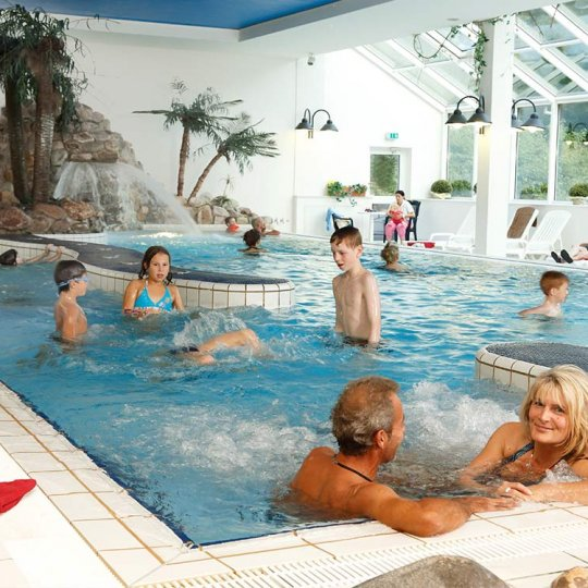https://www.panoramic-hotel.de/wp-content/uploads/2016/11/schwimmbad-im-panoramic_1126x750-540x540.jpg