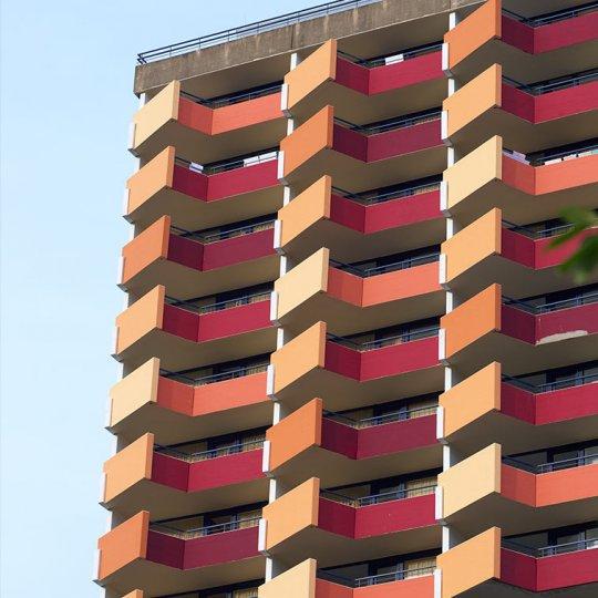 http://www.panoramic-hotel.de/wp-content/uploads/2016/12/panoramic-hotel-harz-aussen-detail-balkons_757x1126-540x540.jpg