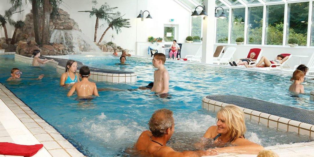 http://www.panoramic-hotel.de/wp-content/uploads/2016/12/schwimmbad-im-panoramic-2_1126x750-1080x540.jpg