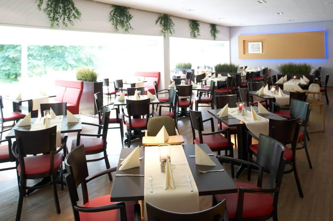 http://www.panoramic-hotel.de/wp-content/uploads/2017/01/Scholben_Restaurant_1126x750.jpg