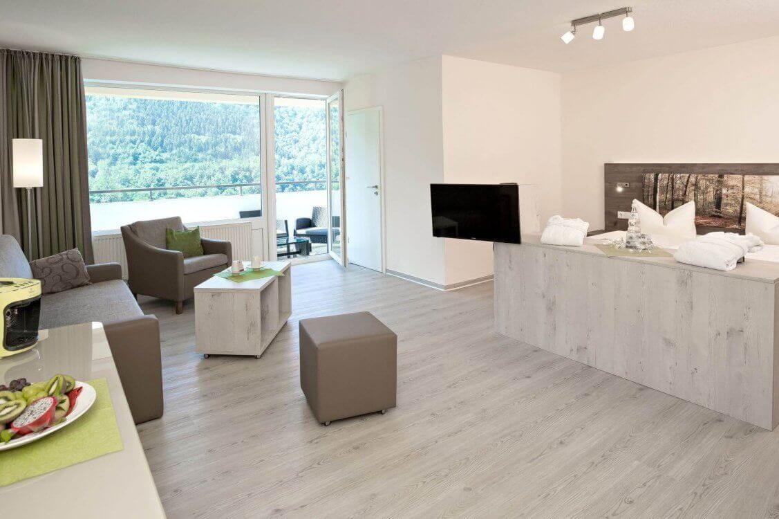 https://www.panoramic-hotel.de/wp-content/uploads/2019/01/Superior_Zimmer_Totale_Balkon_skaliert-1-e1548505773558.jpg