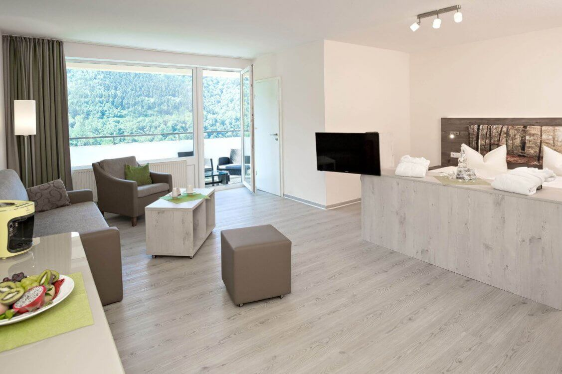 https://www.panoramic-hotel.de/wp-content/uploads/2019/01/Superior_Zimmer_Totale_Balkon_skaliert-1-e1548506499234.jpg