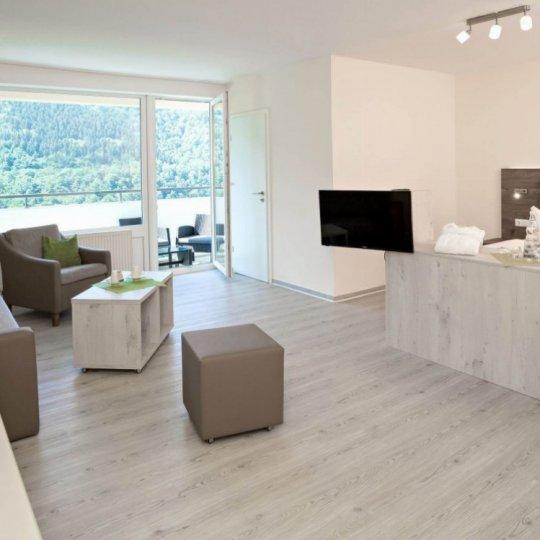 https://www.panoramic-hotel.de/wp-content/uploads/2019/01/Superior_Zimmer_Totale_Balkon_skaliert-e1548503030127-540x540.jpg