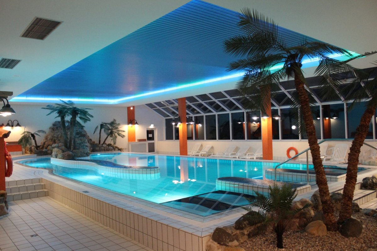 Panoramic_Hotel_Bad_Lauterberg_Schwimmbad-1-1200x800.jpg